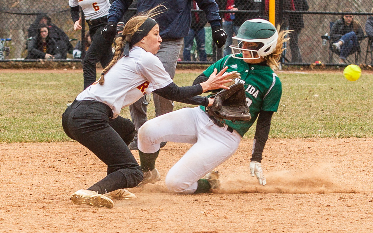 Softball Suffers Doubleheader Sweep To Mount Ida