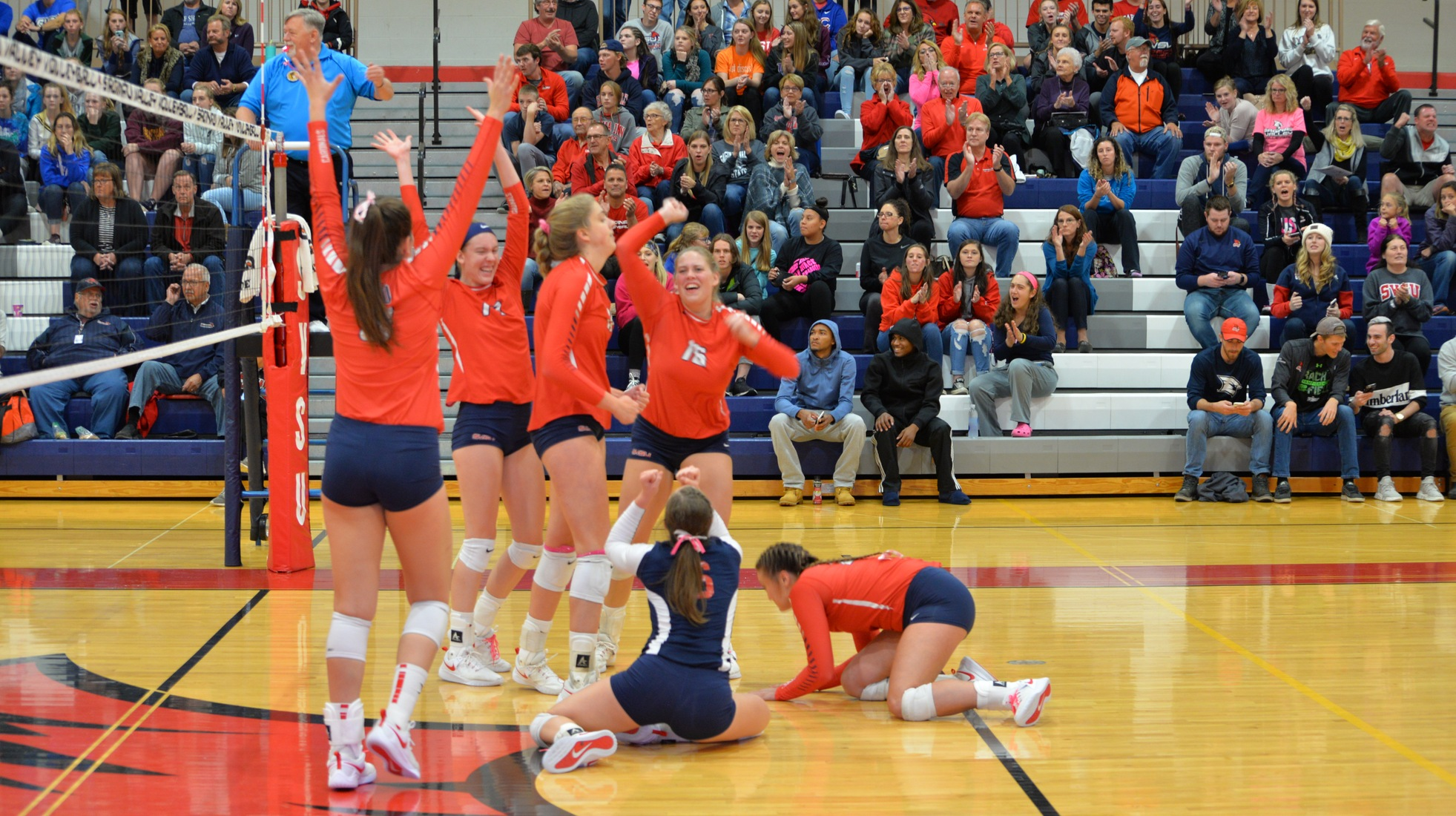 SVSU Volleyball Rolls to 3-0 Victory Over Grand Valley