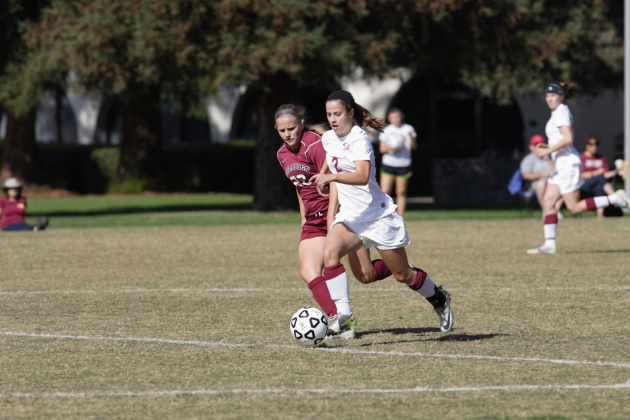 Penalty kick goal not enough for Athenas against UCSC