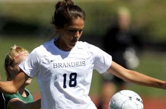 Andrews, Kofinas lead No. 18 women's soccer past Wellesley, 1-0