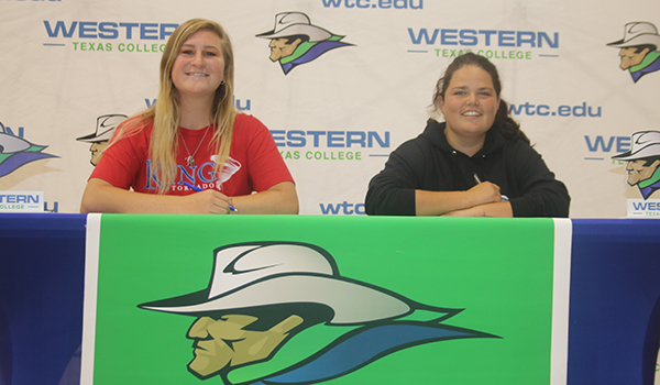 Women's Golf Duo Sign