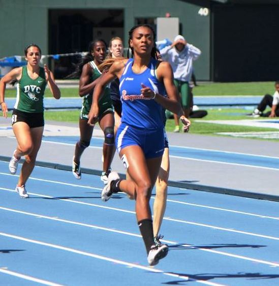Deajah Stevens running for Sequoias in the 2015 state championships.