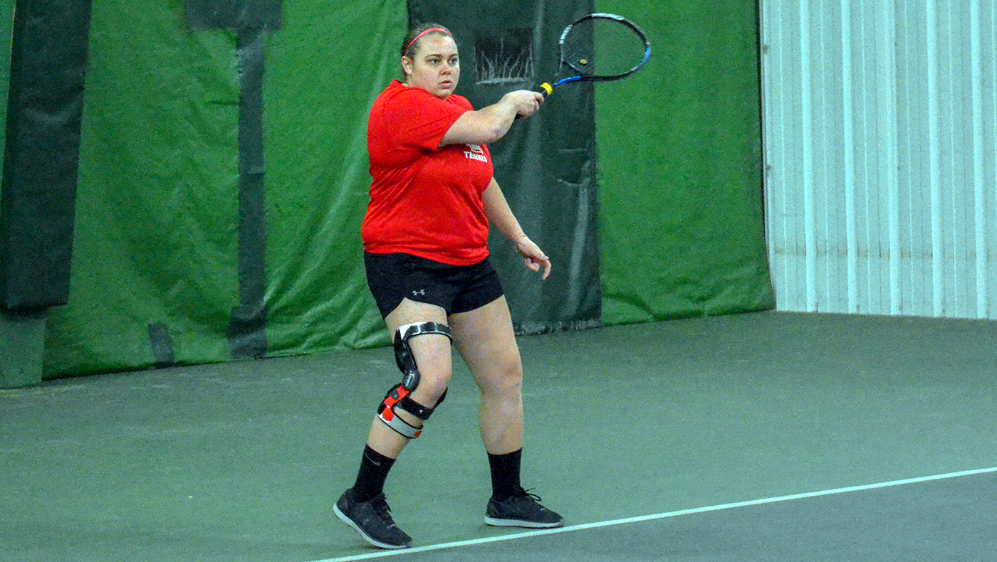 Women's tennis team loses at Adrian