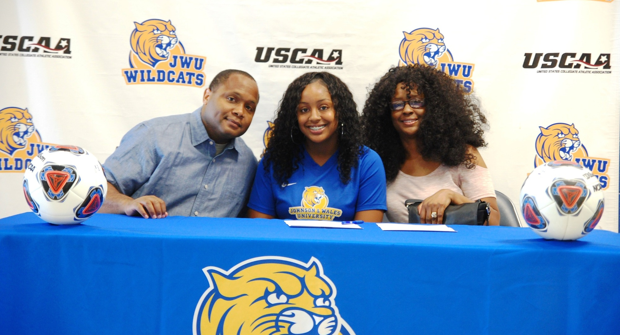 Women's Soccer Inks Transfer Montague