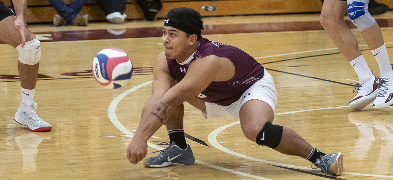 No. 1 Men's Volleyball Defeats Rivier and Wells
