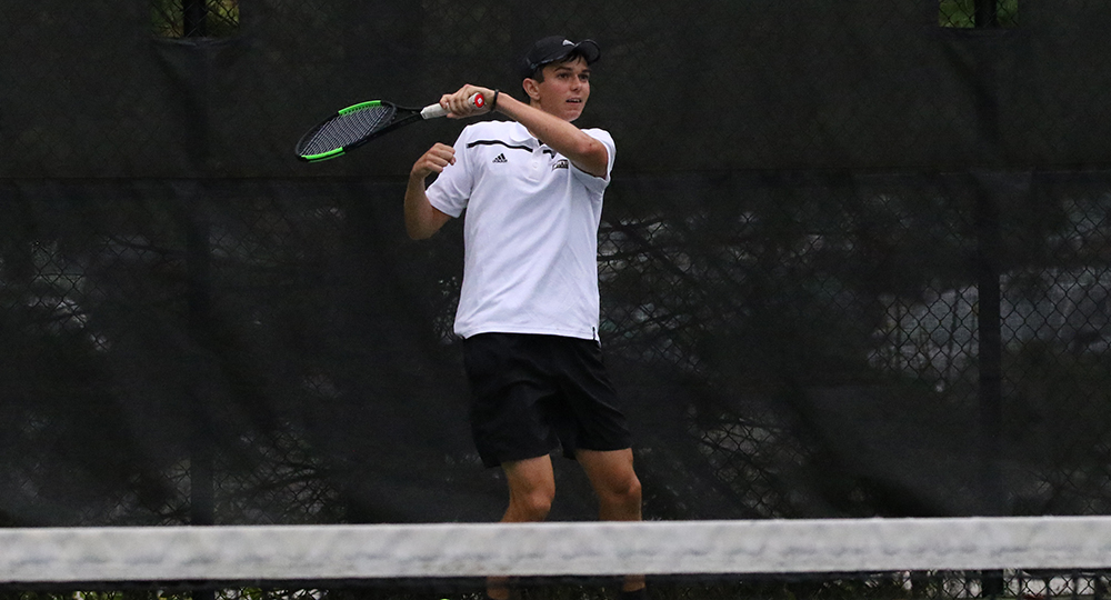 Bulldogs split matches on final day in Annapolis