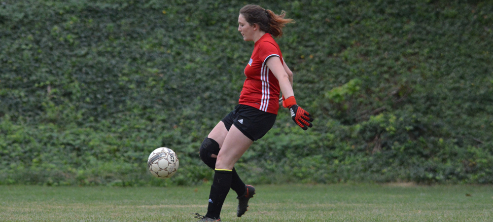 Streaks Continue For Women's Soccer In 4-3 Victory at Staten Island