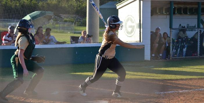 Lady Gators Edged by Wayne 7-2