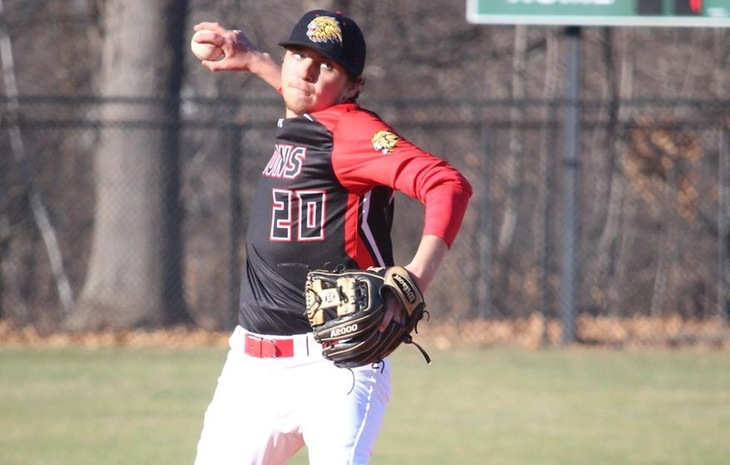 Baseball Battles Back to Split Saturday Showdowns against Becker