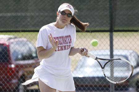 Women's Tennis Takes Down Trine 7-2