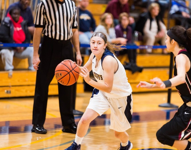 Women's Basketball Outpaced by Worcester