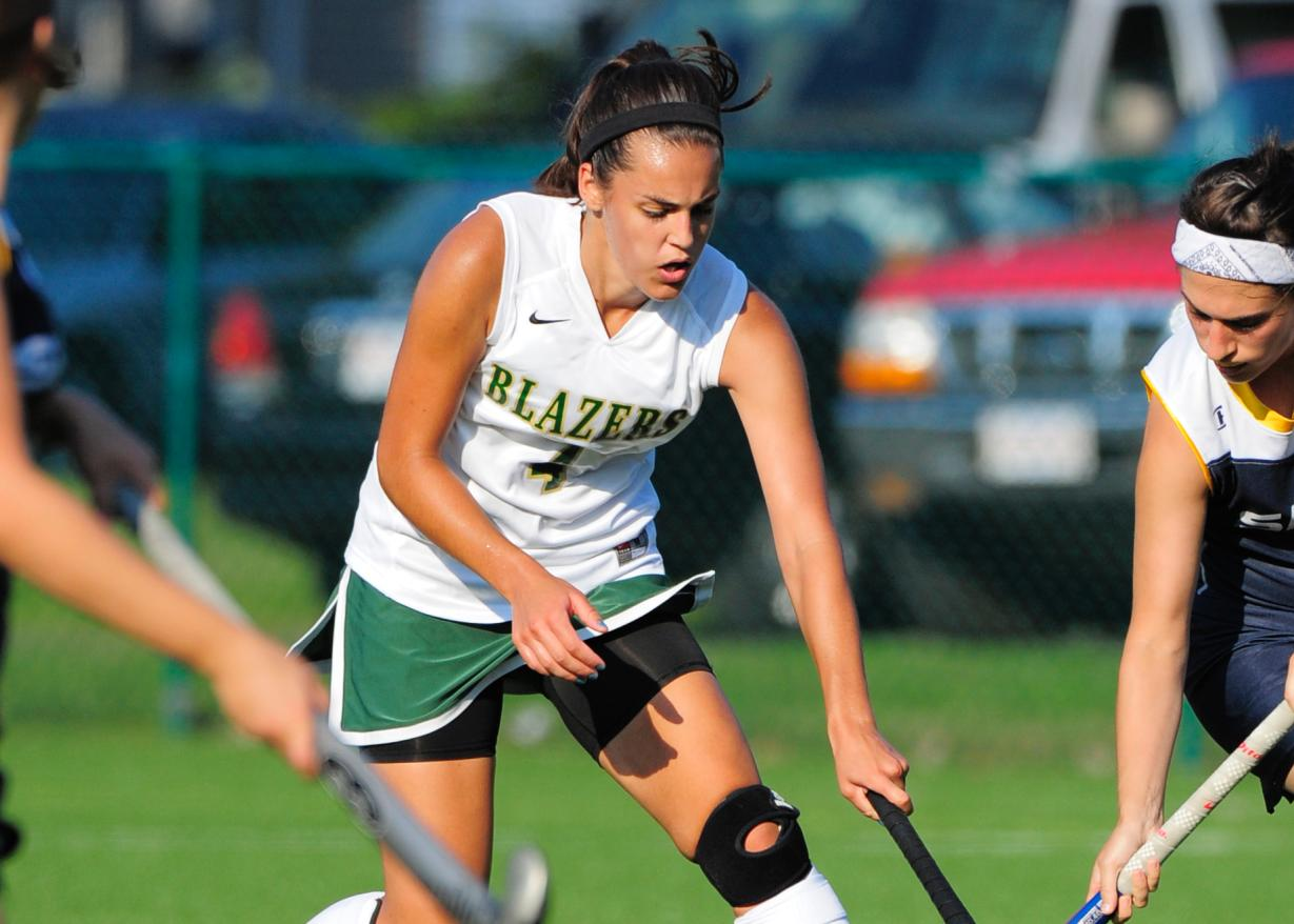 Field Hockey Falls at Smith College, 11-2