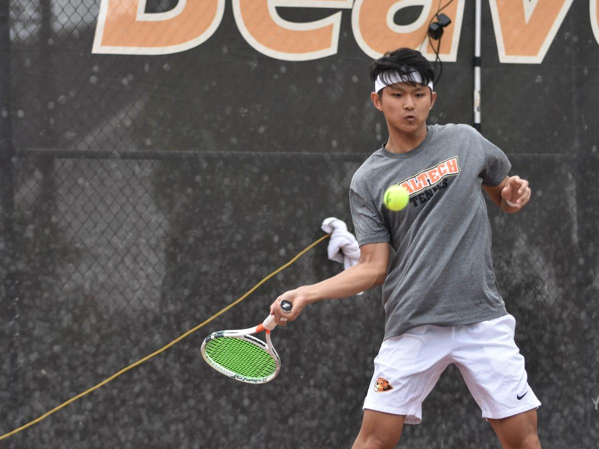 Men's Tennis Moves to No. 34 in Nation