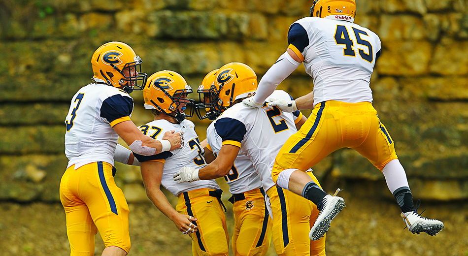 Football starts season with big win over Loras