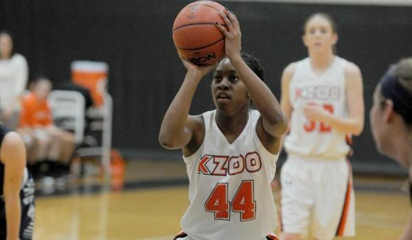 Women's Basketball defeats U of M-Dearborn, 87-81 - Kalamazoo College