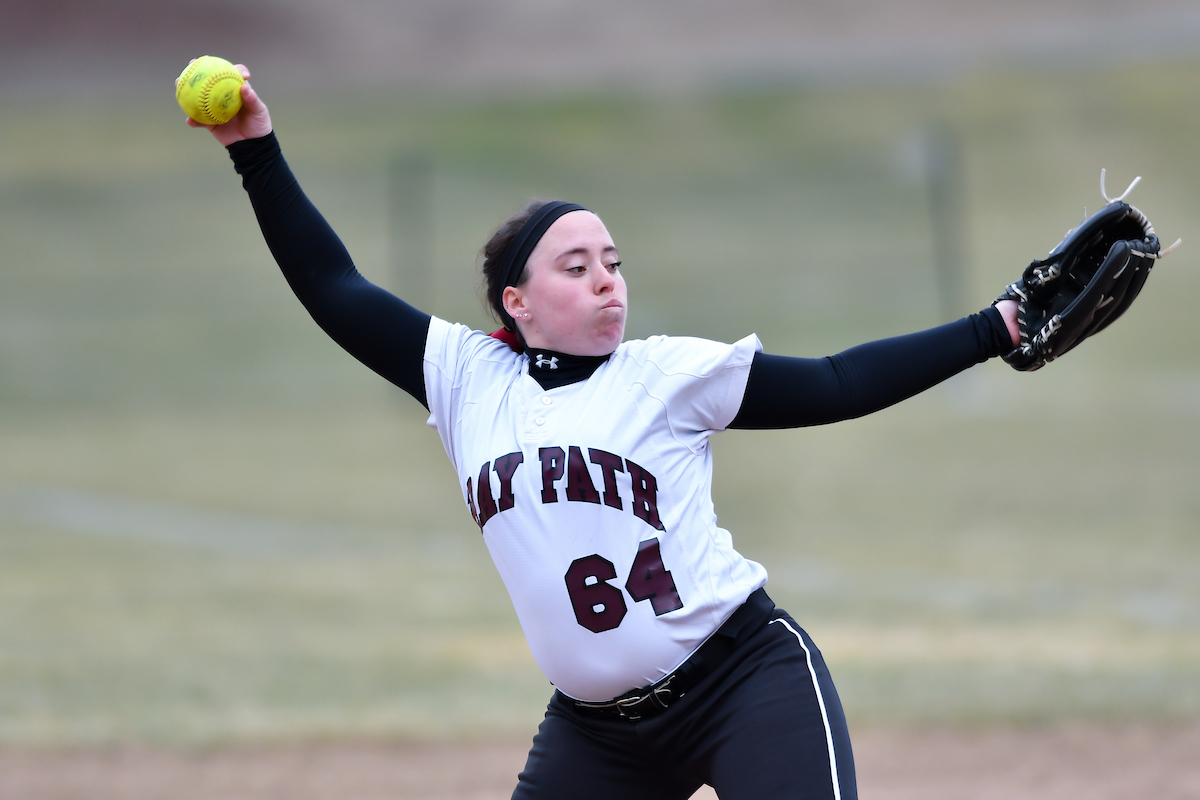 Softball Drops NECC Twinbill to Becker