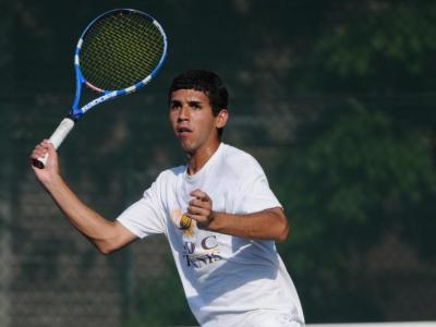 Carlos Quiroga cruised to a 6-0, 6-0 singles victory.