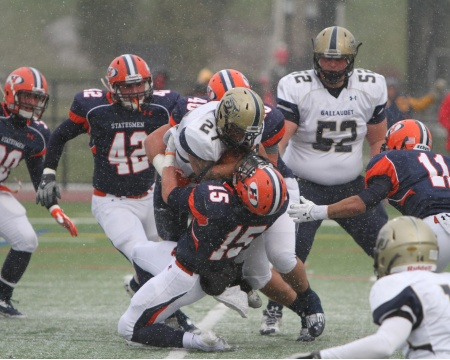 Gallaudet gets tangled up by Hobart's Webb in NCAA first round