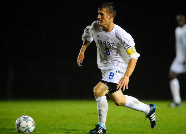 Menzies Helps Men's Soccer to Win