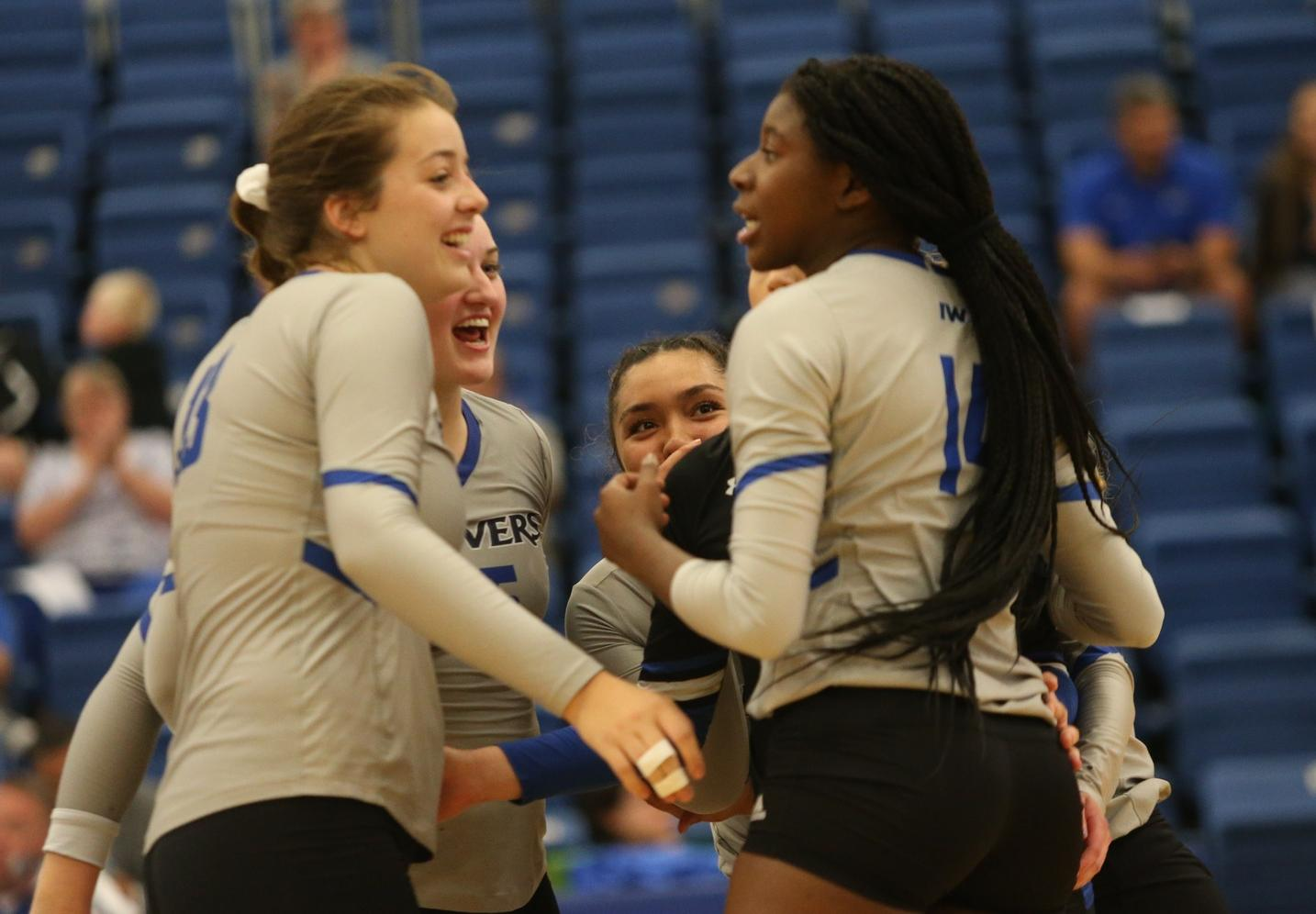 Reivers sweep the day, take out Fort Scott and Johnson County in straight sets