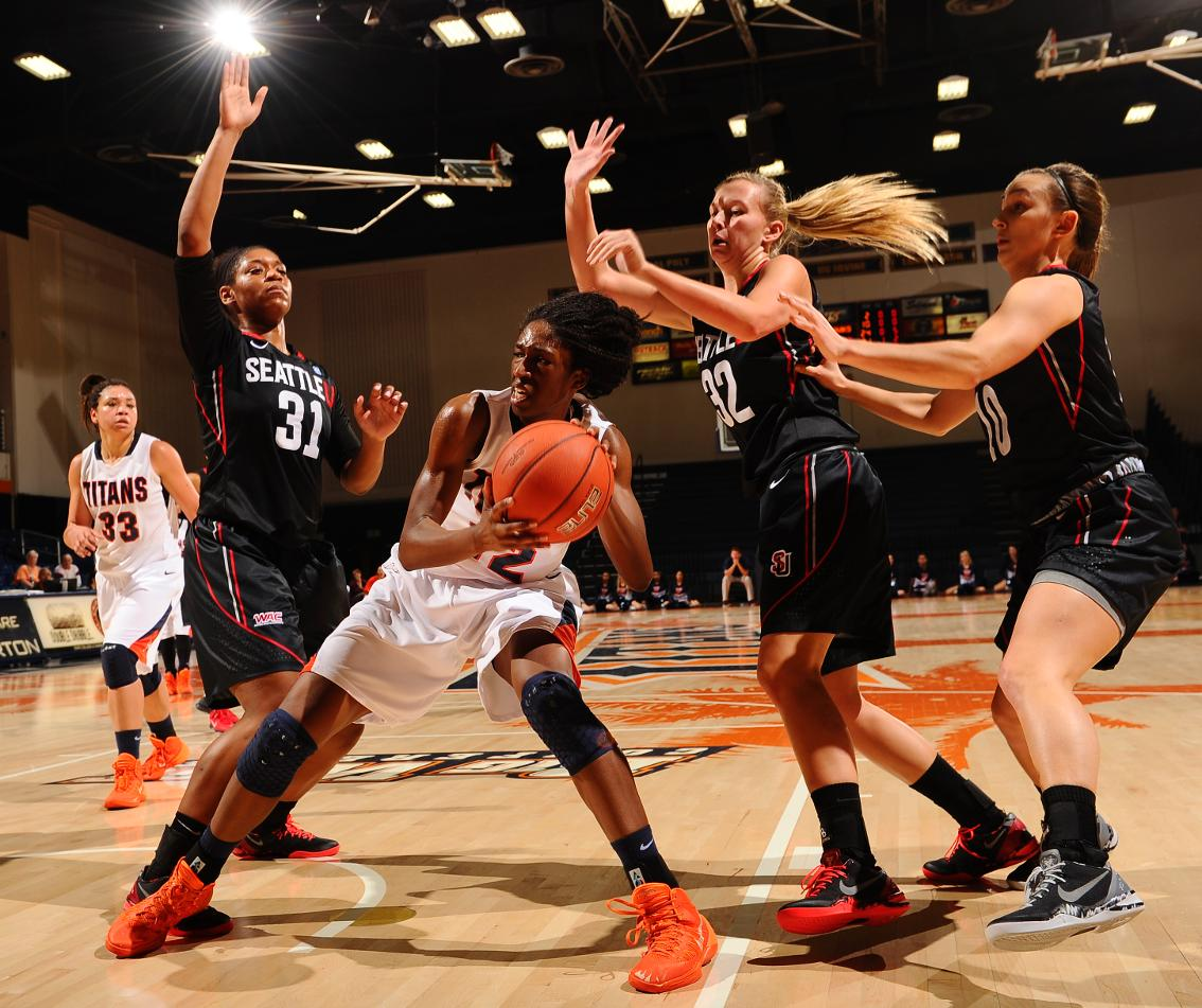 Cal State Fullerton 55, Seattle 53 (Photos by Matt Brown ...