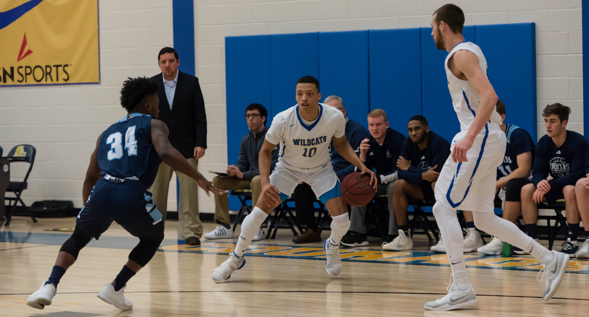 Men's Basketball Stays Hot With Road Win Over Bruins