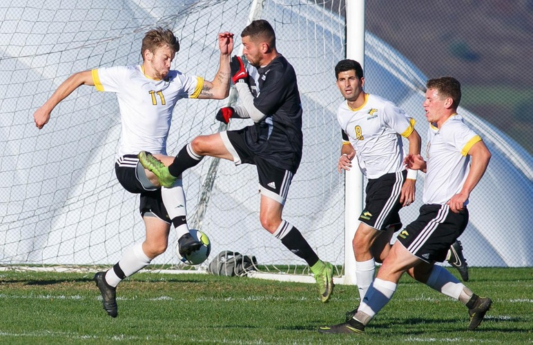 Men's Soccer Suffers 8-0 Defeat to Bryant & Stratton Syracuse