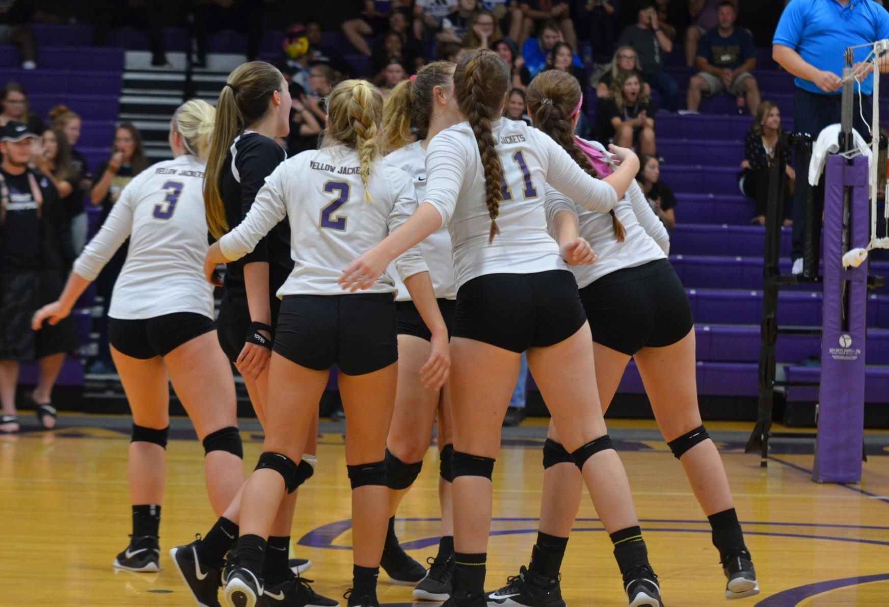 Yellow Jackets Fall in Five Set Thriller