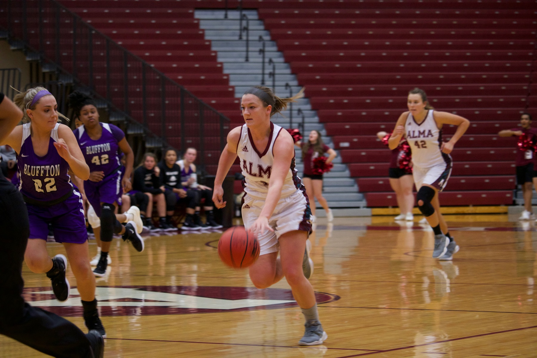 Women's Basketball Takes Down Earlham