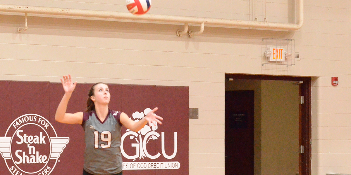 Evangel Volleyball Unable to Hold off Peru State in 3-2 Loss