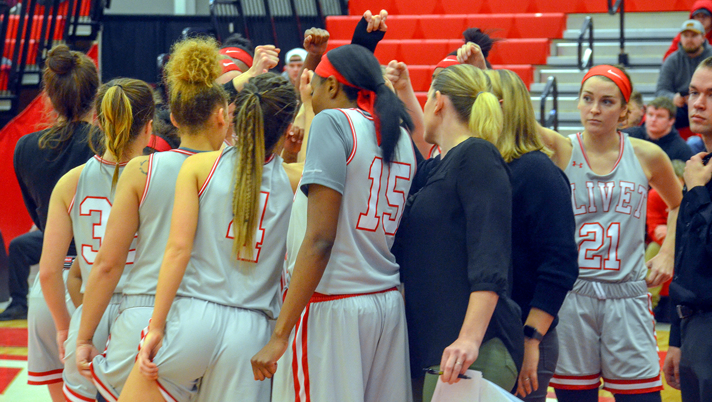 Women's basketball team ends season with 84-33 setback at Hope