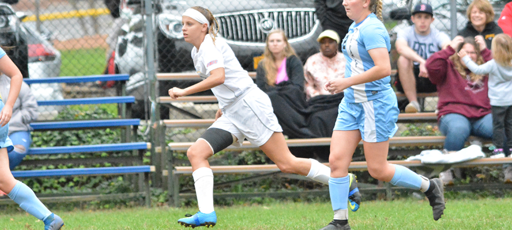 Women's Soccer Drops 6-1 Decision Against Holy Family