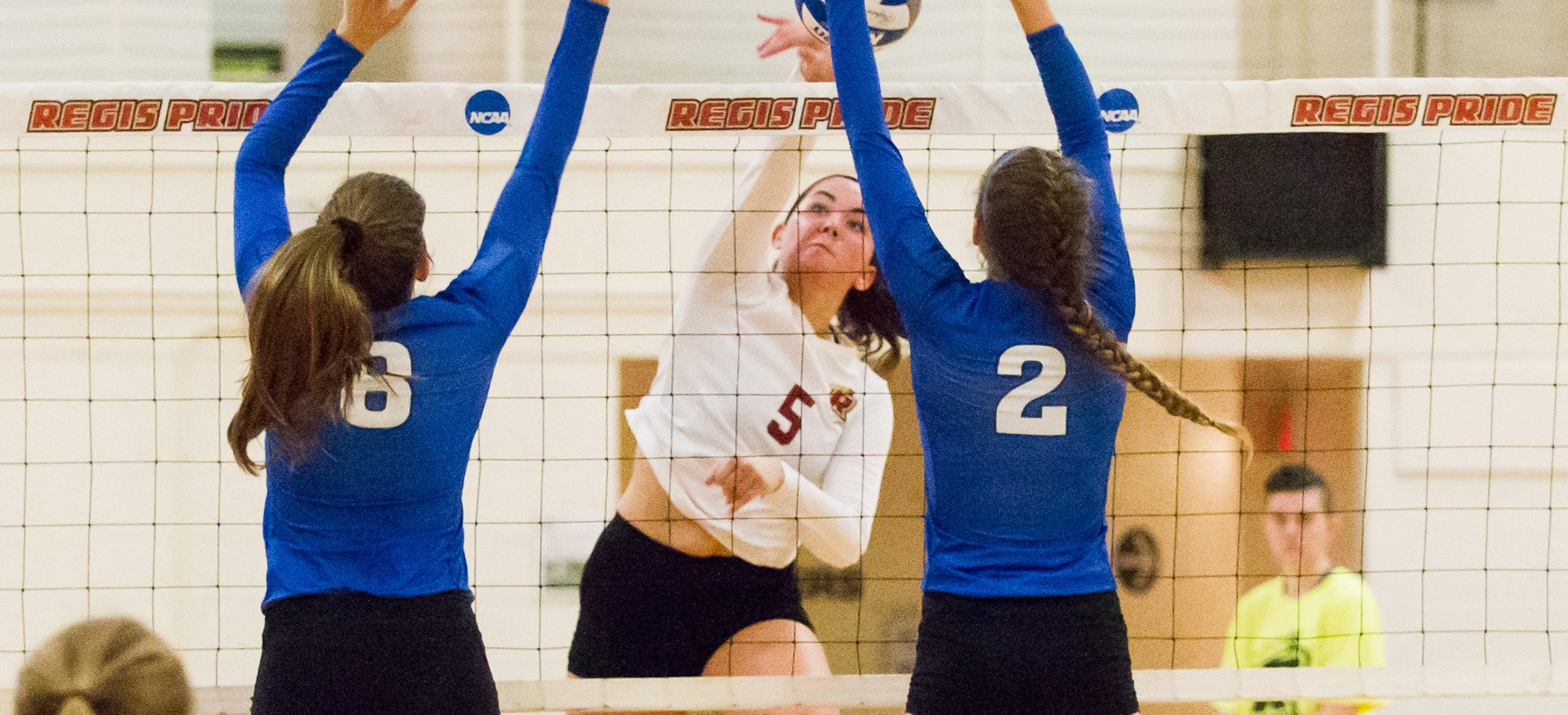 Women's Volleyball Closes Regular Season With Five-Set Win At Gordon