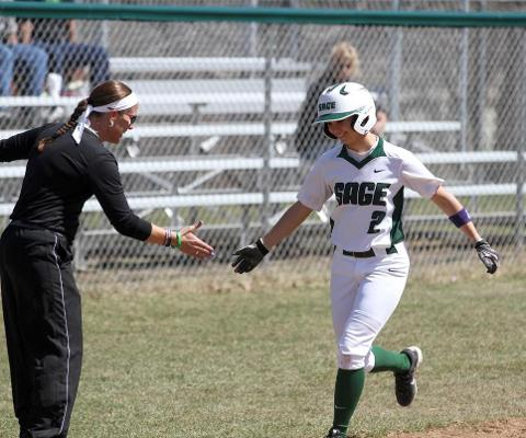 Gators drop heartbreaker, 3-2 in opening round of Skyline Tournament