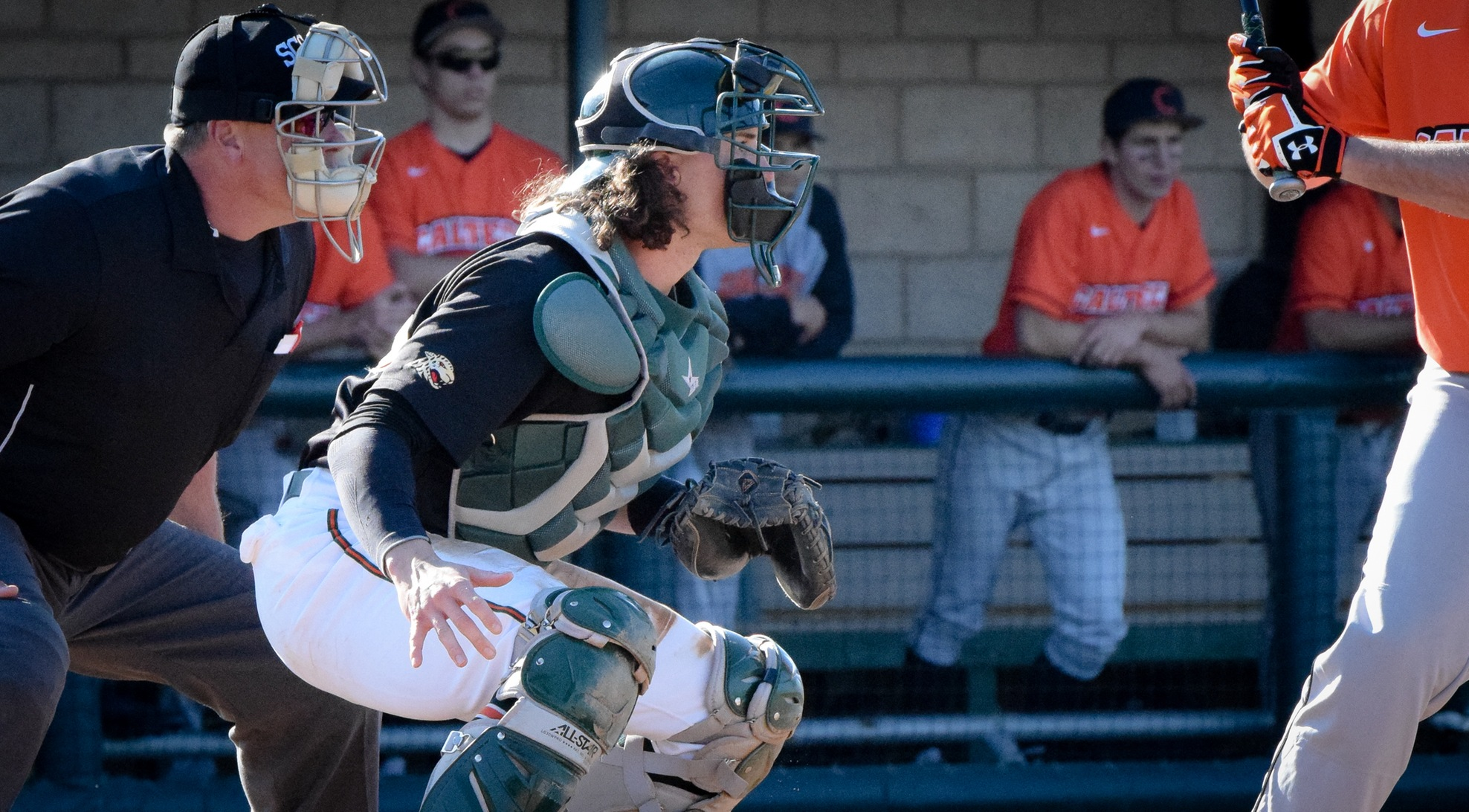 La Verne sweeps Redlands to take series