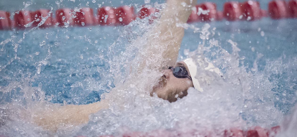 Men's Swimming and Diving Falls To Holy Cross In Final Dual Meet