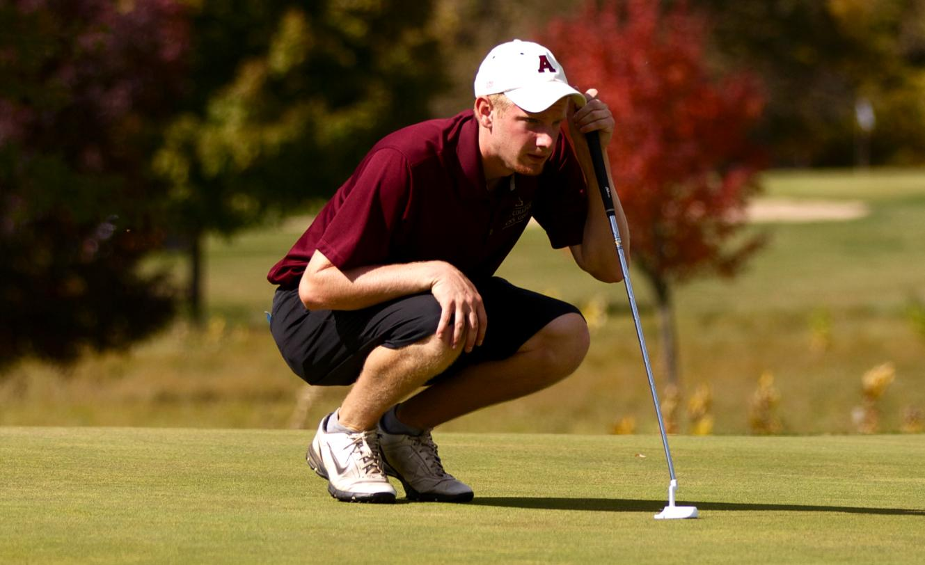 Men's Golf hosts MIAA Jamboree and finishes in a tie for third place
