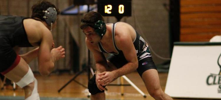Vikings Fall Against Ohio University, 25-15