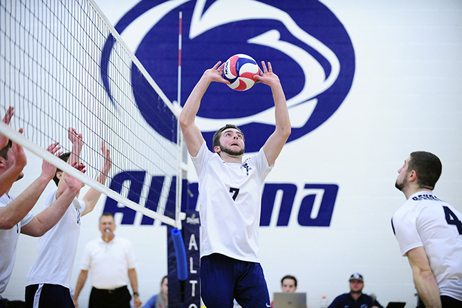Men's Volleyball Defeats Wells in Four