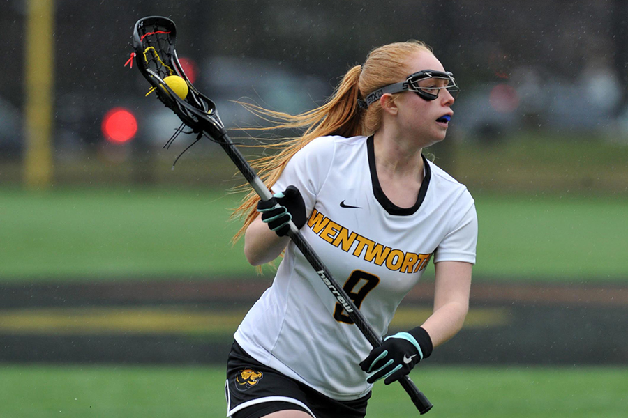 Curry Pulls Away From Women's Lacrosse