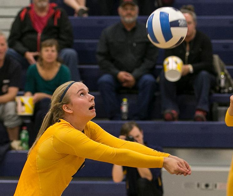 #12 Volleyball Drops Match to Otero