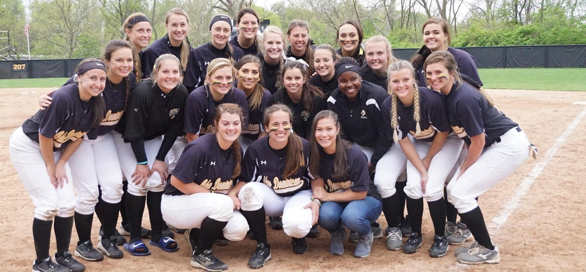 Softball Splits With Ursuline on Senior Day