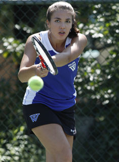 Blue Tennis Continues Strong Play at Bowdoin