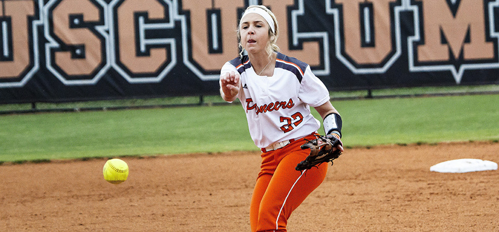 Rally in opener sparks Tusculum sweep of Queens