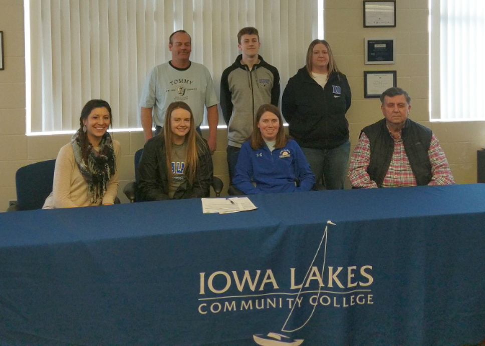 Laker women's basketball signs Alisa Anderson