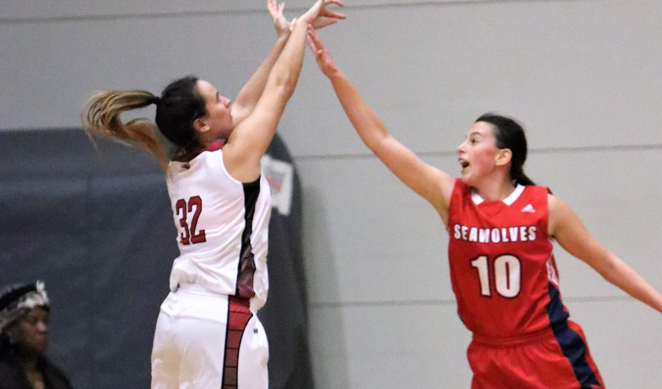 Women's Basketball routs Champlain-St. Lawrence