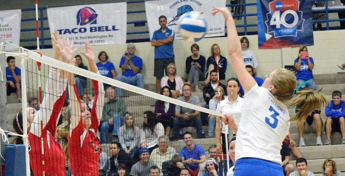 Valentine records triple double, Volleyball falls to Muskies in five sets