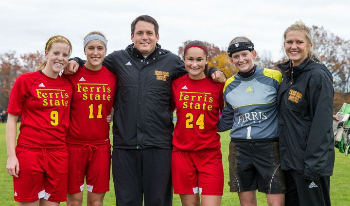 Women's Soccer Shuts Out Lake Erie To Win Regular-Season Finale On Senior Day