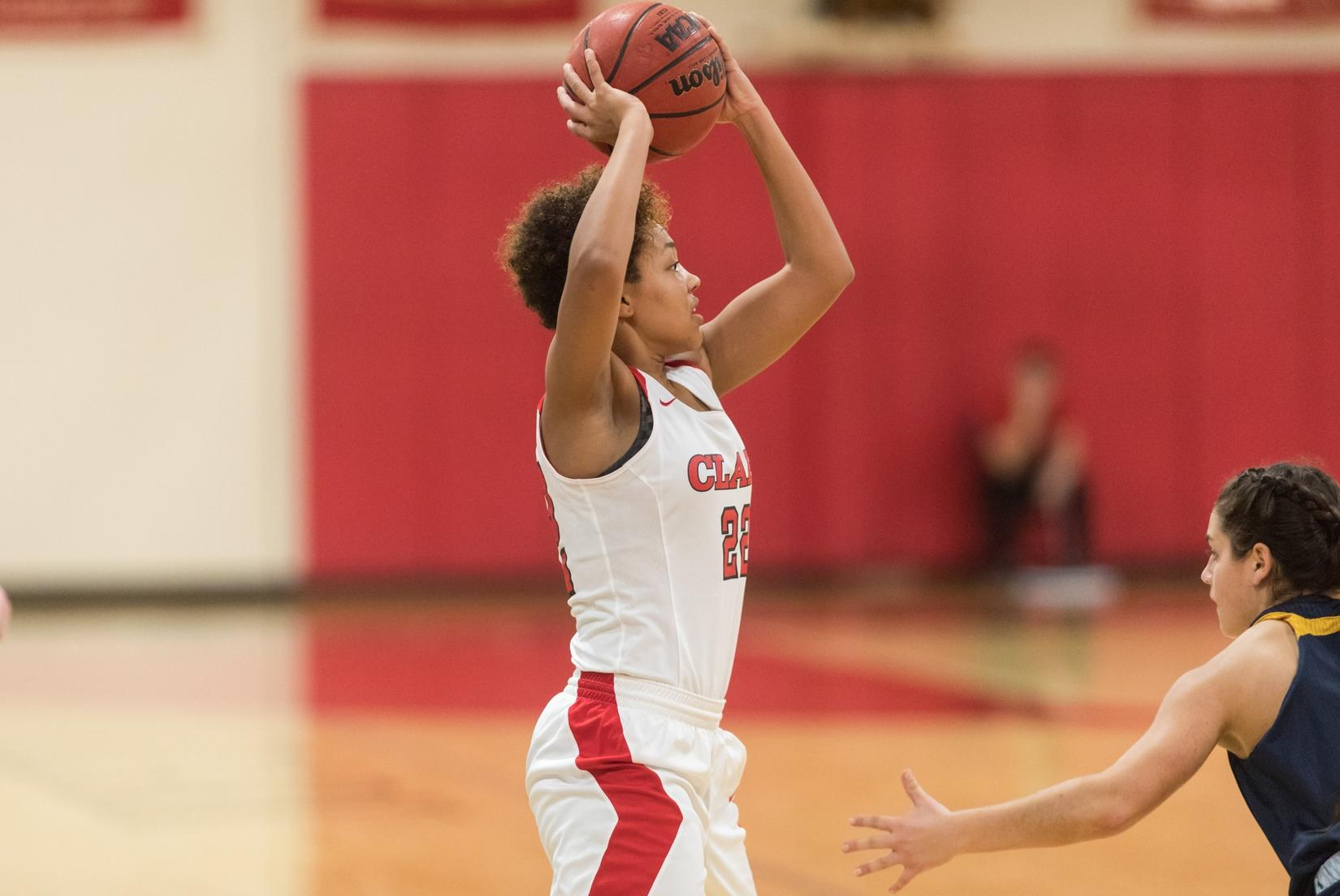 MIT Outlasts Women's Basketball in NEWMAC Action