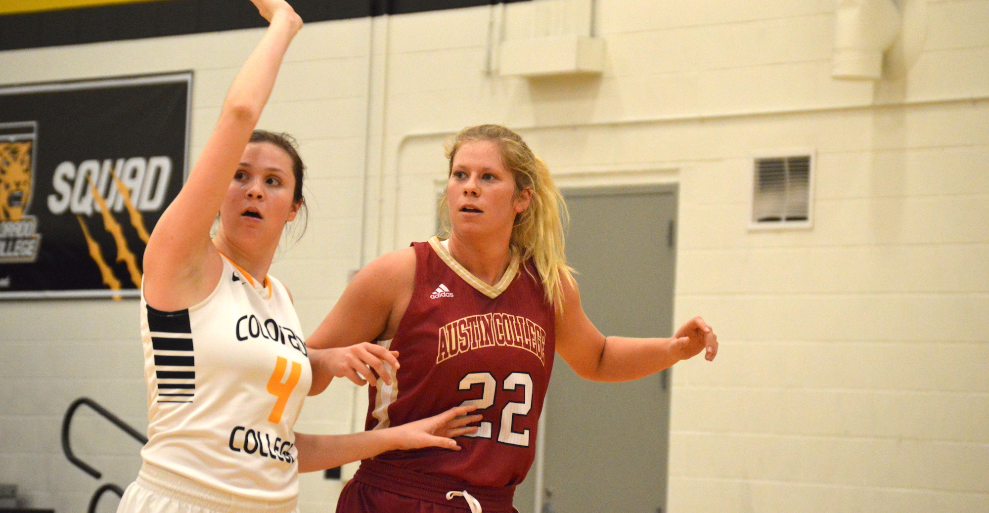 'Roo Women Hold Off Schreiner for 11th Straight Win